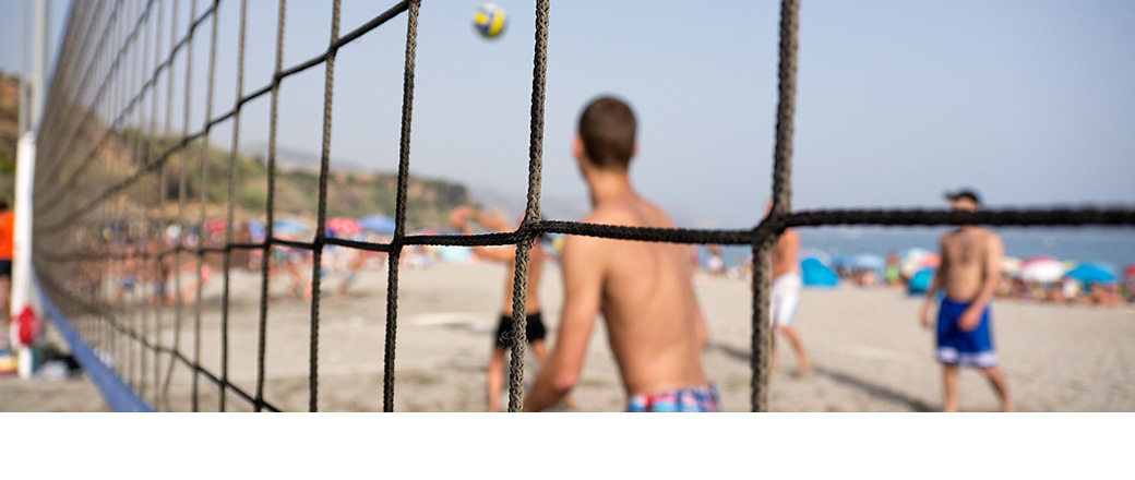 beach-volleyball-game-in-nerja