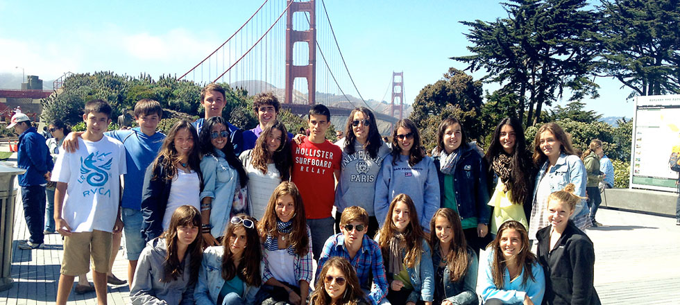 Spain study abroad students visit the Golden Gate Bridge