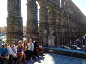Group in front of the aqueduct