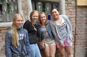 Kendall, Kaitlin, Hannah and Pheobe at the Hundertwasserhaus