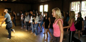 eci-students-dance-class